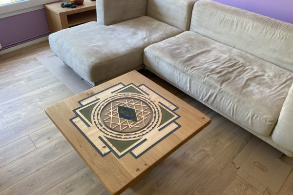 table sri yantra